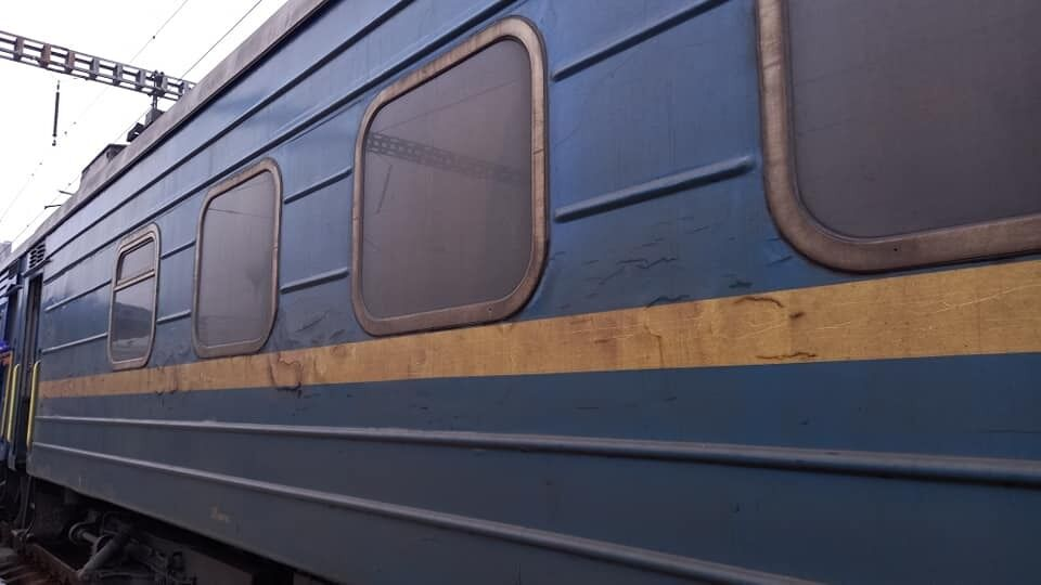 Брудний вагон поїзда УЗ Київ – Ізмаїл