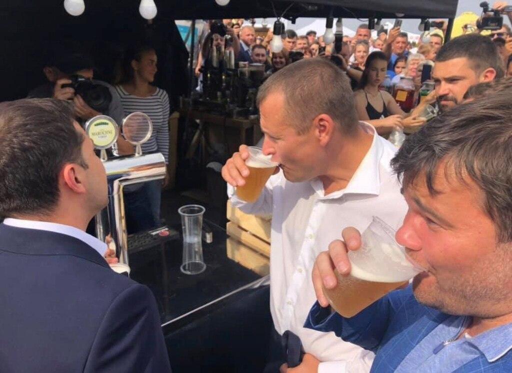 Зеленський, Філатов і Богдан випили пива