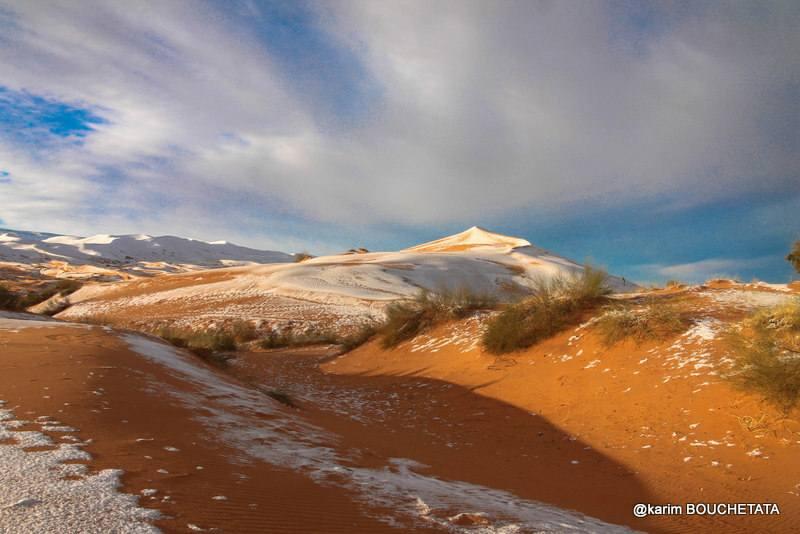 У пустелі Сахара випав сніг (фото)