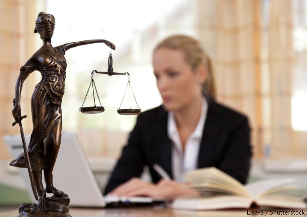 8 жовтня - День юриста. Прикольні побажання і листівки до свята