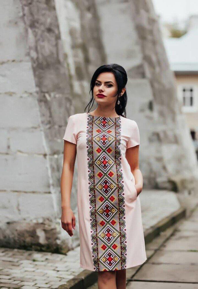 Плаття-вишиванка. Варіант 1