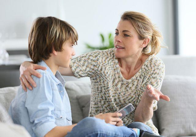 Своїми діями мама дала зрозуміти синові, що самостійність таїть у собі величезну відповідальність.