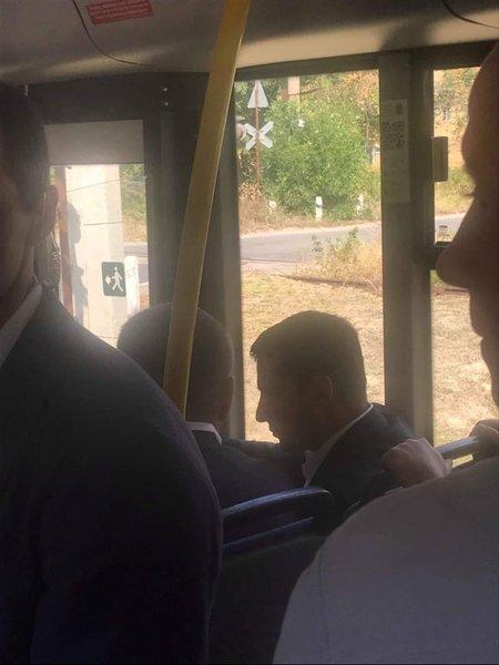 Зеленський і Філатов в тролейбусі