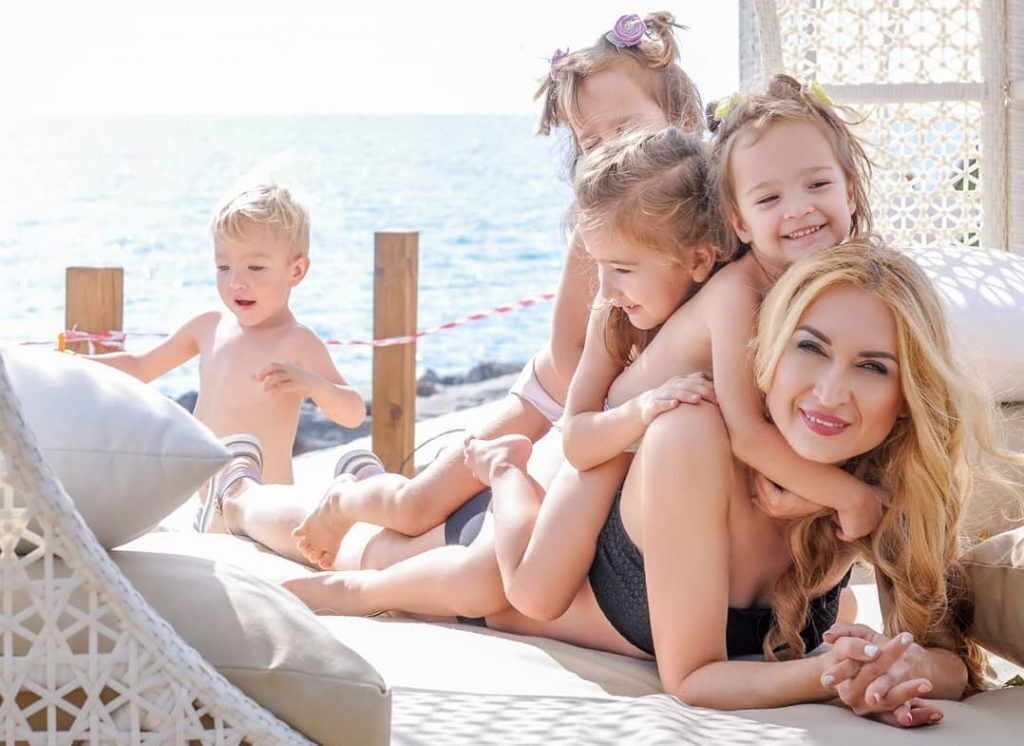 Оксана Кобелецька з дітьми