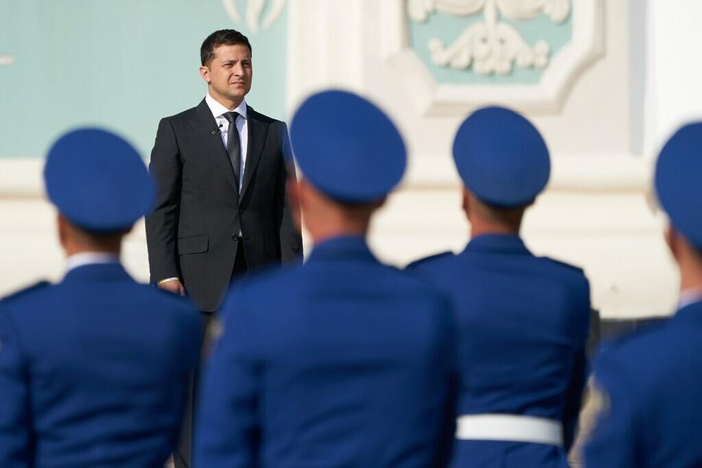 Ставши президентом, Зеленський узяв на себе повноваження верховного головнокомандувача ЗСУ