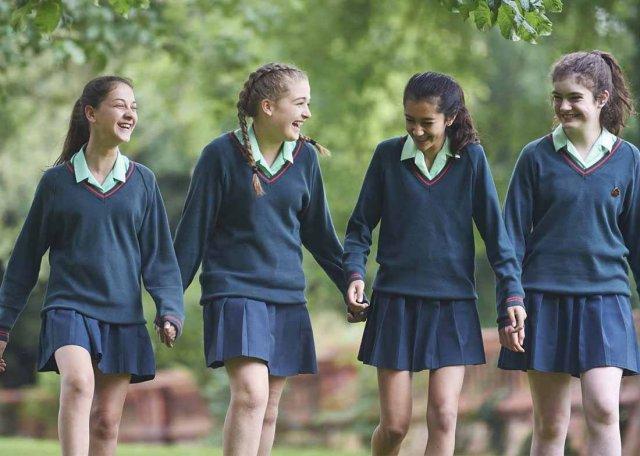 Успішні однокласники впливають на поведінку інших - фото 351020
