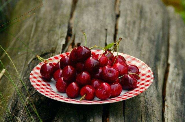 Чим корисні ягоди та як правильно заготовити їх на зиму: пояснення Супрун - фото 418296