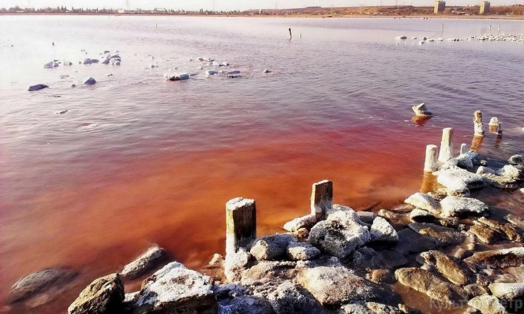 ТОП-7 рожевих озер України