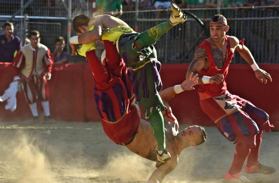 Calcio Storico Fiorentino — справжній пекельний футбол