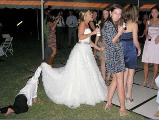 Найгірші та смішні весільні фото. Коли фотограф познущався - 4