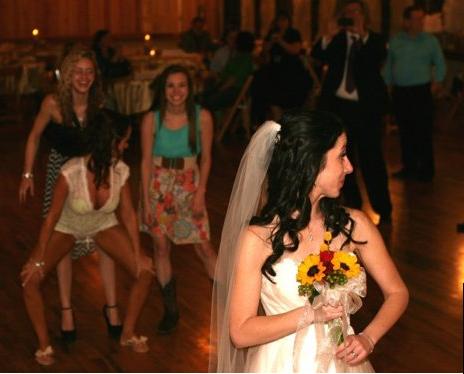 Найгірші та смішні весільні фото. Коли фотограф познущався - 9