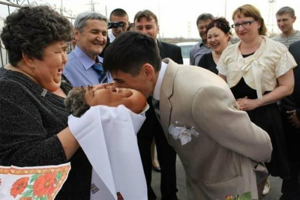 Найгірші та смішні весільні фото. Коли фотограф познущався - 12