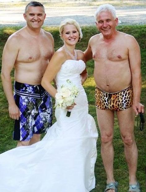 Найгірші та смішні весільні фото. Коли фотограф познущався - 11