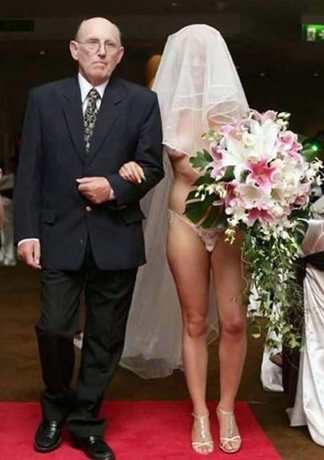 Найгірші та смішні весільні фото. Коли фотограф познущався - 21