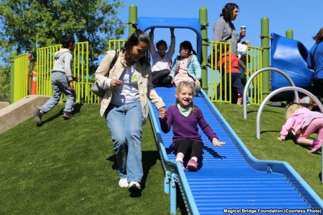 Унікальний ігровий майданчик, створений мамою-українкою, змінює уявлення про те, хто і як може гратися в громадських парках - 7