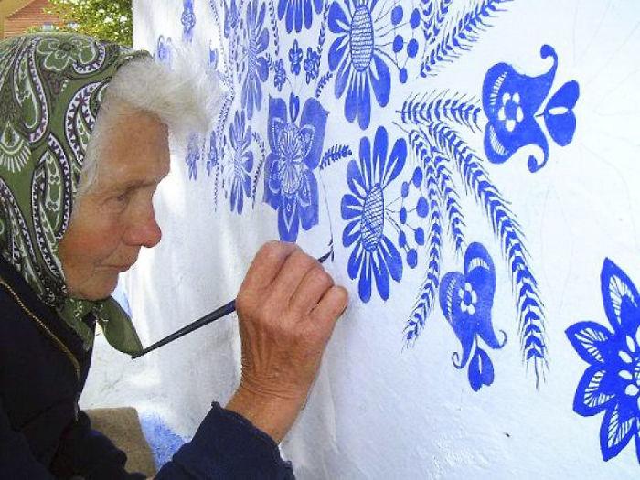 90-річна бабуся перетворила своє чеське село в музей! Ось як це було