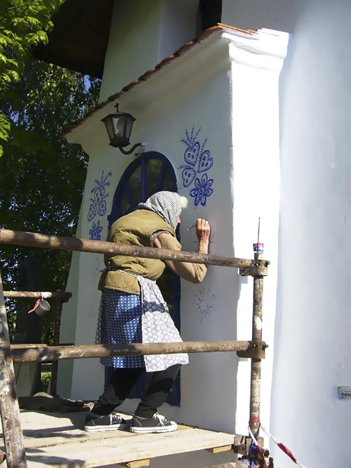 90-річна бабуся перетворила своє чеське село в музей! Ось як це було - 3