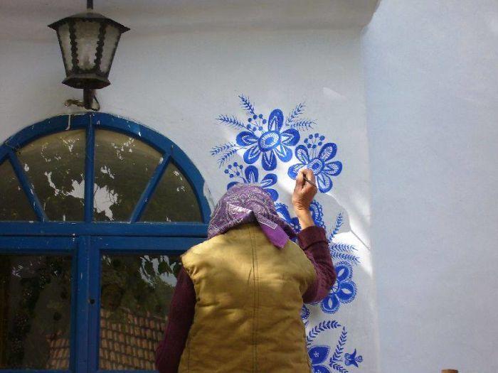 90-річна бабуся перетворила своє чеське село в музей! Ось як це було - 8