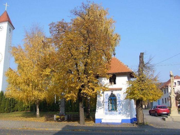 90-річна бабуся перетворила своє чеське село в музей! Ось як це було - 16