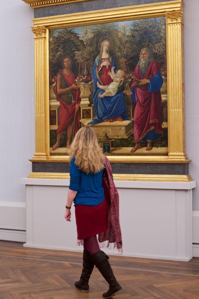Фотограф роками таємно знімав «правильних» відвідувачів музею - і ось чому - 18