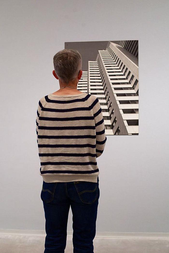 Фотограф роками таємно знімав «правильних» відвідувачів музею - і ось чому - 5