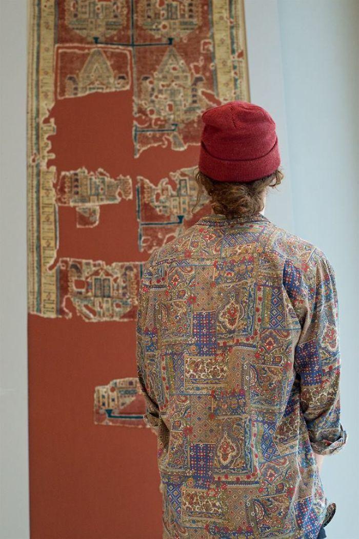 Фотограф роками таємно знімав «правильних» відвідувачів музею - і ось чому - 6