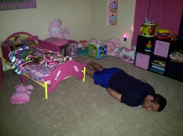 20+ причин, чому не можна дітей залишати з татом - 18
