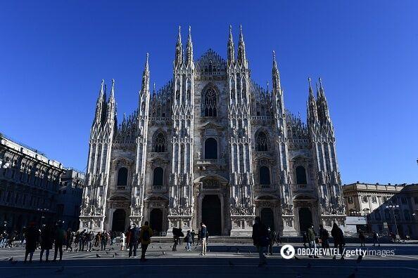 Міланський Дуомо може вмістити 40 тисяч паломників водночас.
