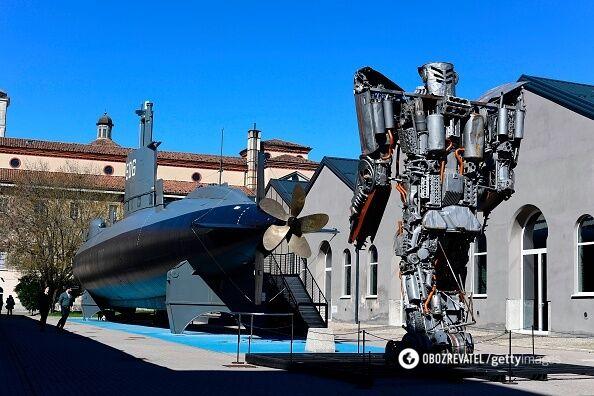 Експонати музею науки і технологій.