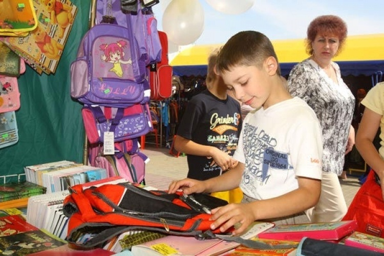 Зібрати дитину до школи коштує від 1,5 тисячі гривень