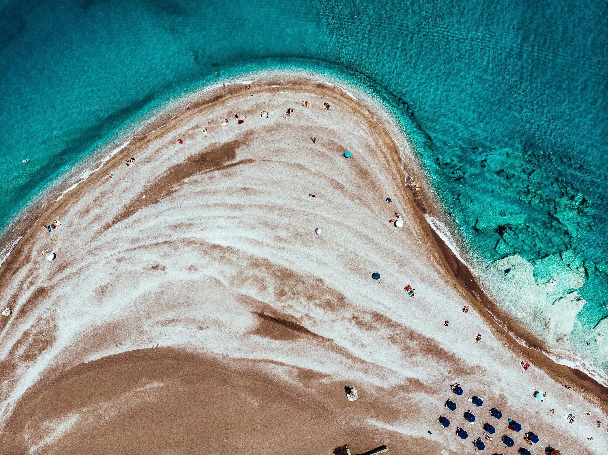 Грецький курорт Родос знаменитий чудовими пляжами й молодіжною атмосферою
